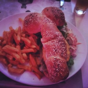 Eating a burger in Paris lbgt omg comingout canyoudothis wheretostart